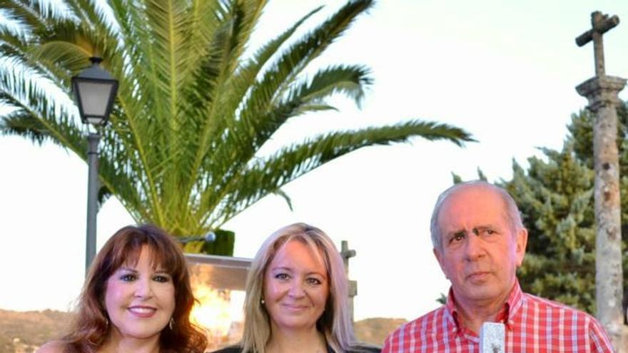 Loles León recibe Premio Diálogo de Culturas en Montánchez a toda su carrera