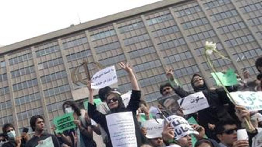 Manifestantes En Irán
