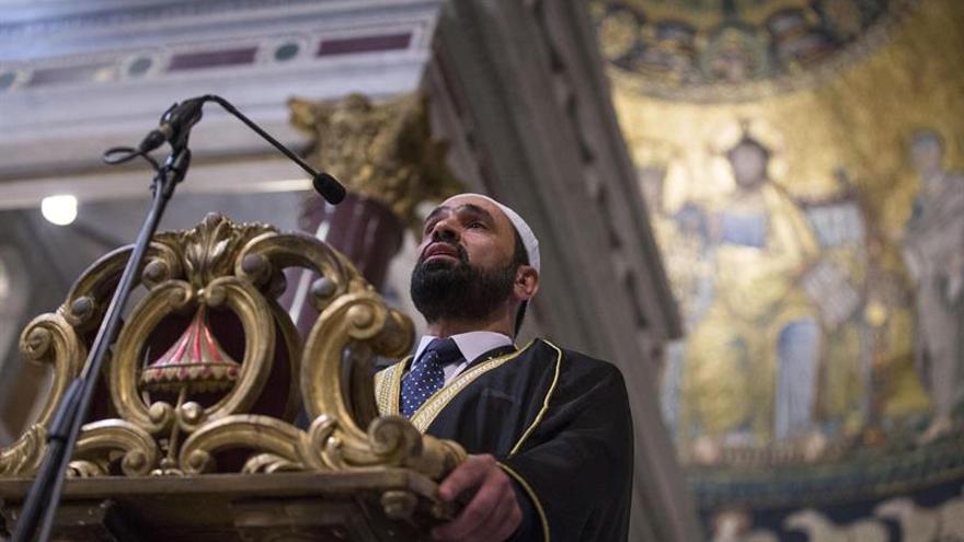 Católicos y musulmanes rezan juntos en iglesias italianas por la paz y unidad
