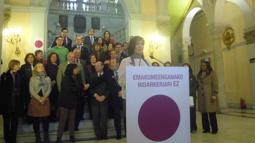 """Ayuntamiento de Bilbao llama a """"hacer visibles"""" las agresiones """"cotidianas y normalizadas"""" hacia las mujeres"""