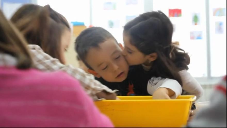 Superantonio, el niño de San Fernando con parálisis cerebral cuya historia de superación, integración y amistad nos ha conmovido a todos