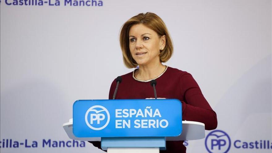 """Cospedal acusa a independentistas de querer convertir Cataluña en un """"gueto"""""""
