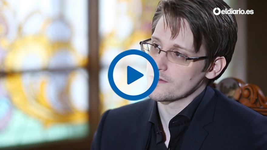 Edward Snowden durante su entrevista con eldiario.es