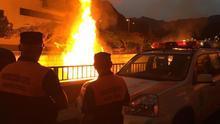 Imagen de archivo de una hoguera en la capital tinerfeña en las vísperas de San Juan