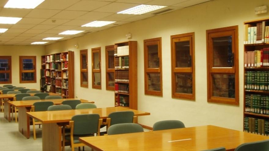 Sala de estudio de la Biblioteca Pública de Huesca