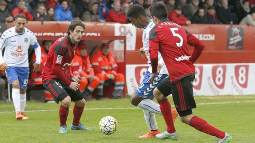 Imagen de la temporada 2015/16 del partido disputado en Anduva entre el Mirándes y el CD Tenerife.