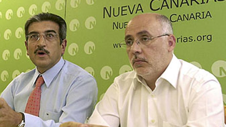 Antonio Morales, junto al presidente de NC, Román Rodríguez.