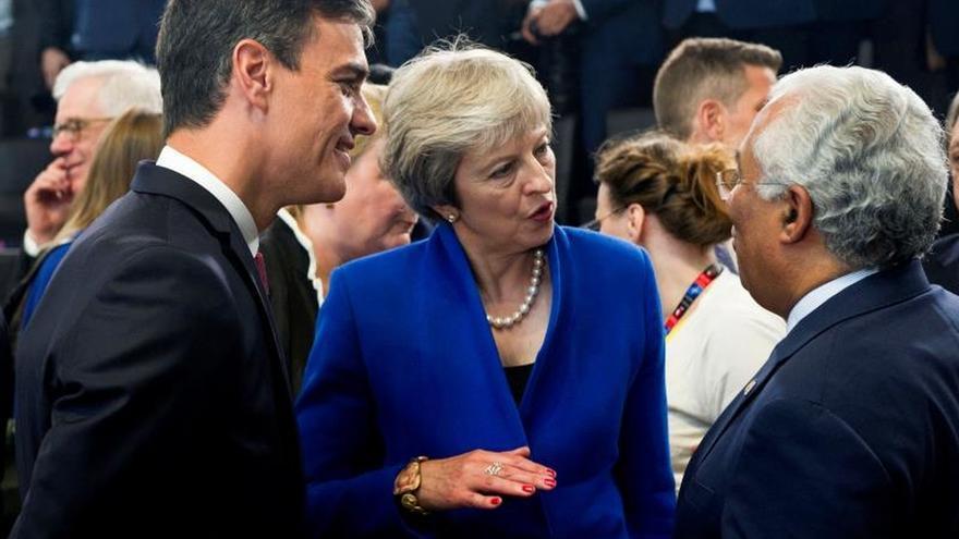 """Sánchez y May quieren un diálogo constructivo sobre el campo de Gibraltar por el """"brexit"""""""