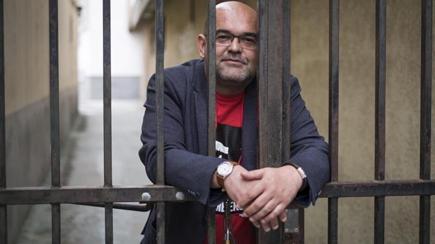 El escritor Alexis Ravelo. EFE/Ángel Medina G.