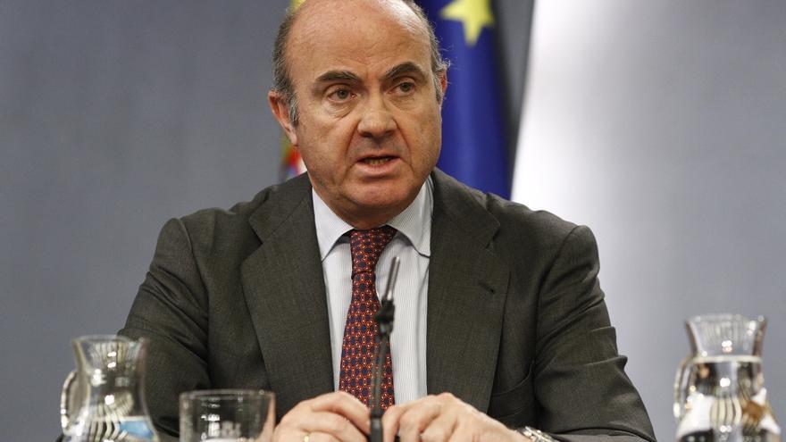 """De Guindos dice que la economía española ha cogido """"velocidad de crucero"""" pero advierte del riesgo de cometer """"errores"""""""