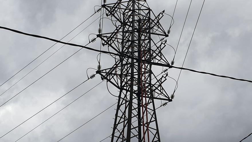La Audiencia Provincial de A Coruña condena a Fenosa y Gas Natural por facturar la luz sobre consumos estimados