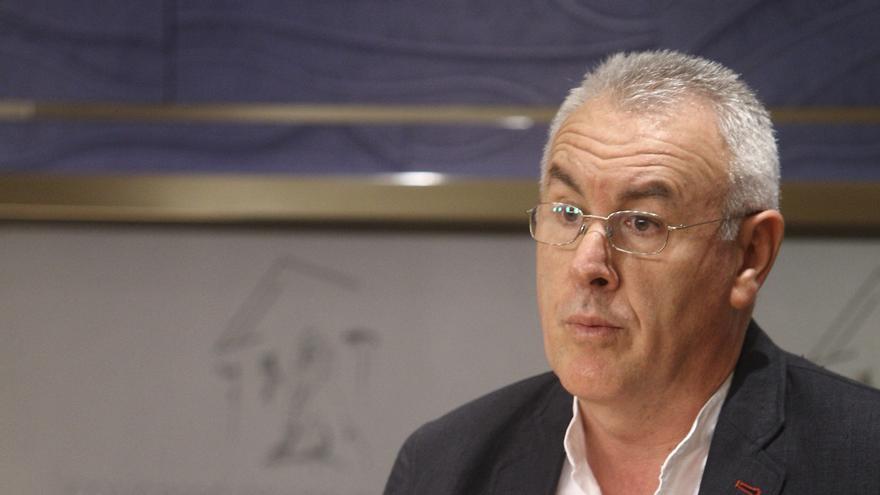 """Cayo Lara dice que el camarero que cobijó a manifestantes tiene """"más autoridad moral"""" que el Gobierno"""