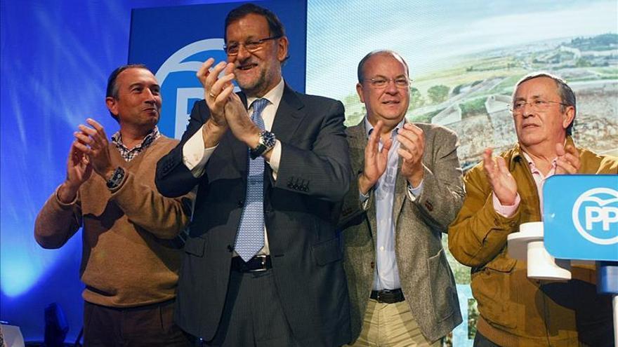"""Rajoy reafirma tras la decisión del Constitucional que España es """"innegociable e intocable"""""""