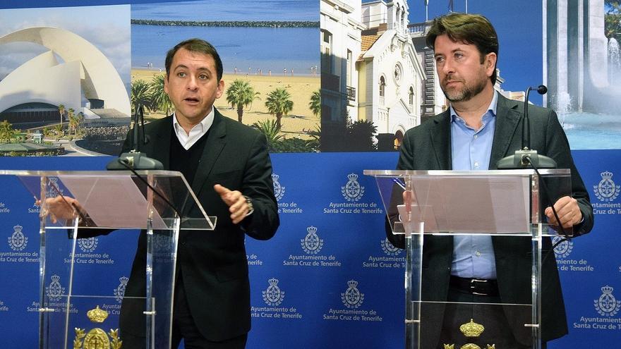 José Manuel Bermúdez, a la izquierda, junto a Carlos Alonso durante la presentación de las actuaciones previstas