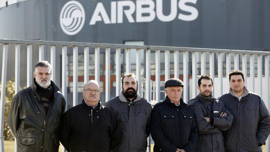 Seis de los ocho trabajadores de Airbus para los que la fiscalía pide ocho años de cárcel. Foto: OLMO CALVO