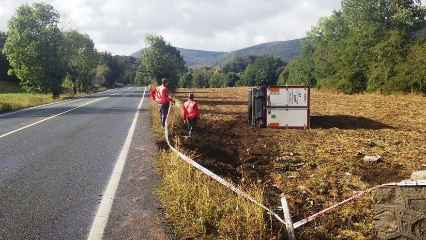 Un camión se sale de la vía en Ventas de Arraiz y su conductor da positivo en la prueba de alcoholemia