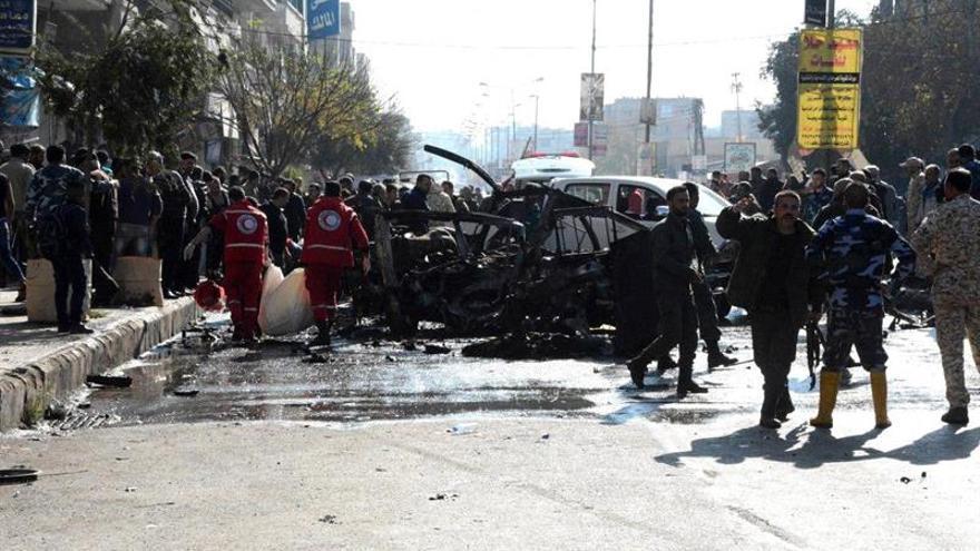 Al menos 14 civiles muertos y 10 heridos por un bombardeo ruso en Siria