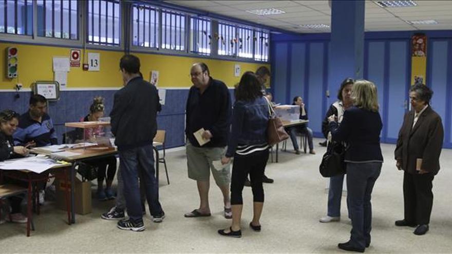 El PP obtuvo más de 2.700 mayorías absolutas y el PSOE, más de 1.900