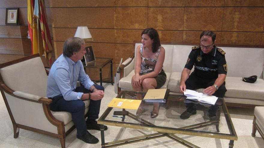 La alcaldesa de Valencia en funciones, Sandra Gómez, junto al delegado del Gobierno, Juan Carlos Moragues