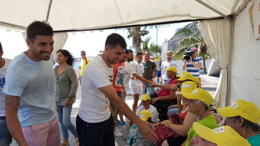 La consejera Asuntos Sociales del Cabildo acompañó recientemente a varios jugadores del Club Deportivo Mensajero a una visita a Bajamar en la que fueron testigos del desarrollo del programa.