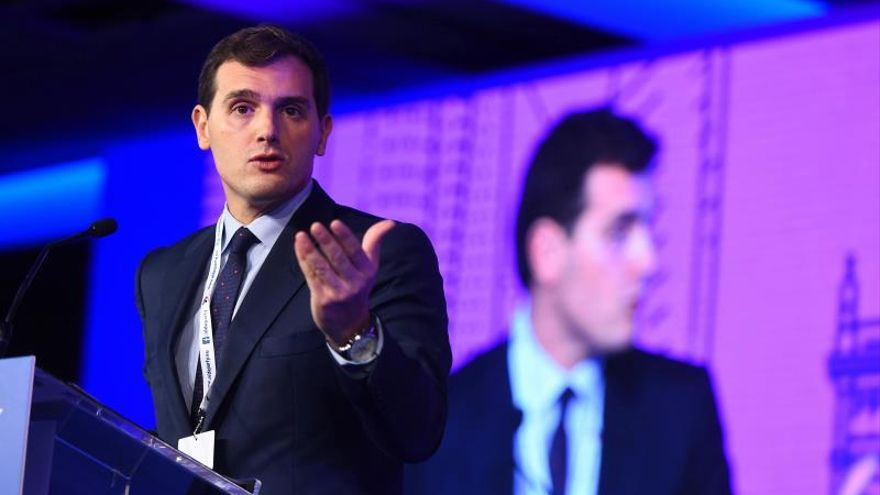 Rivera, enlace de liberales europeos para lograr una coalición con Macron