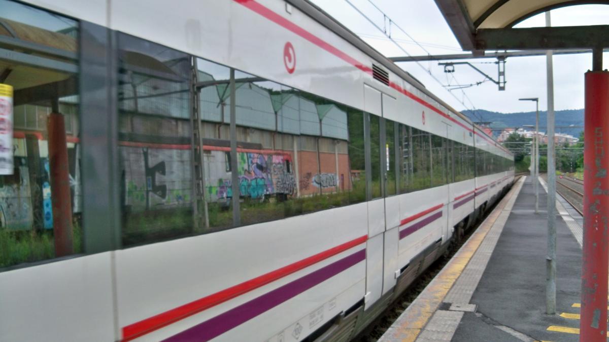 Tren de cercanías modelo UT 446