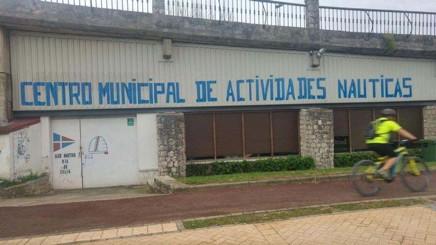 Escuela Municipal de Vela, Piragüismo, Windsurf y Paddel Surf de Astillero. | R.V.