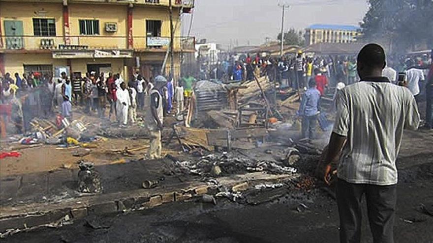 Al menos 16 muertos y 20 heridos en un atentado suicida en un cajero de Nigeria
