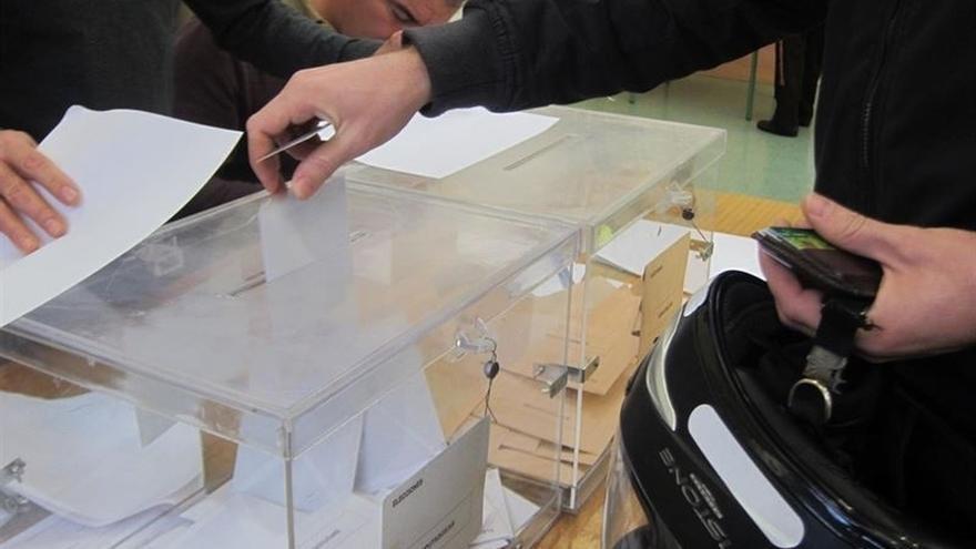 Un total de 498.199 electores están llamados a votar en Cantabria donde el voto por correo crece un 46%