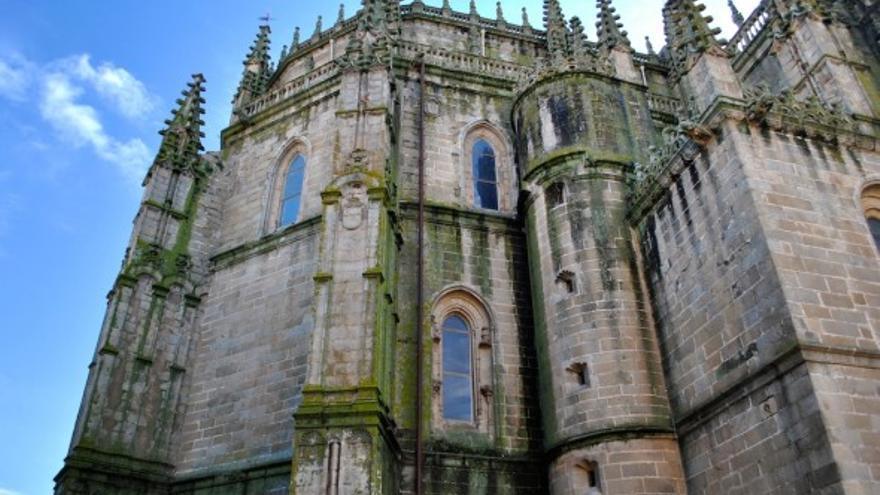 La catedral de plasencia abre la galer a del obispo a los for Oficina de turismo plasencia