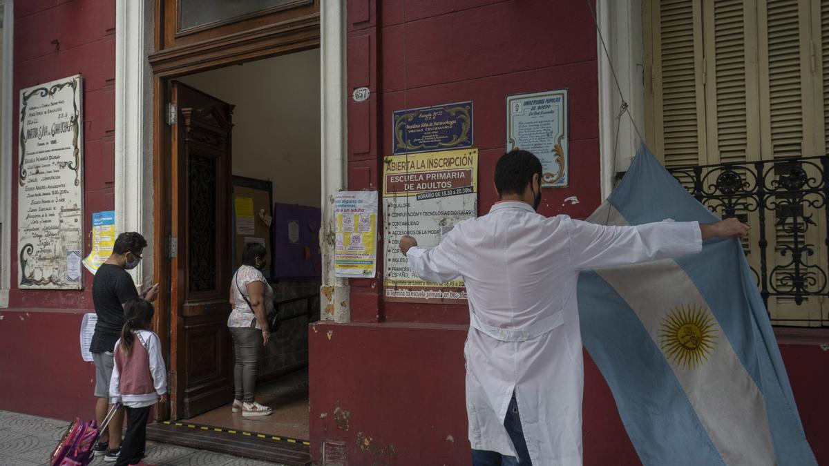 Gremios pidieron suspender las clases en CABA ante la segunda ola de coronavirus.