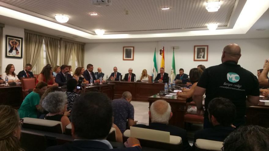 Vox aprueba la expulsión definitiva de su concejal en Mijas, ya en el grupo de no adscritos