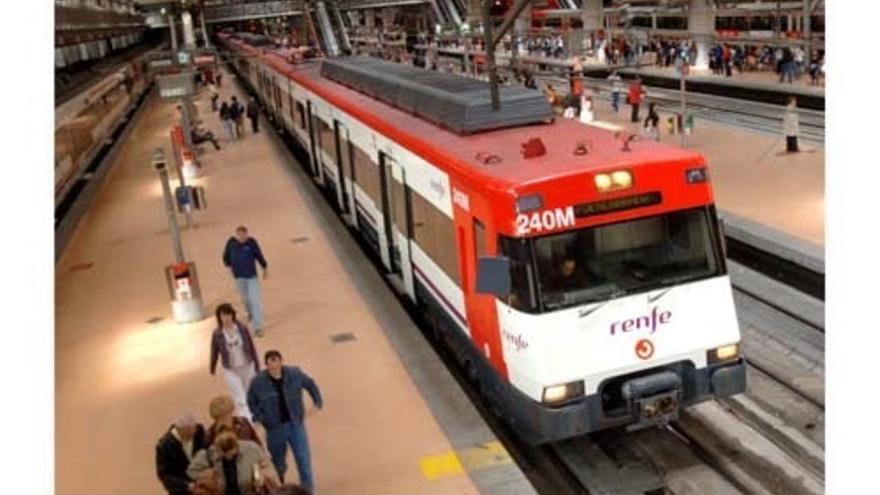 Renfe garantiza el 72% de los trenes AVE y Larga distancia en la jornada de huelga del viernes