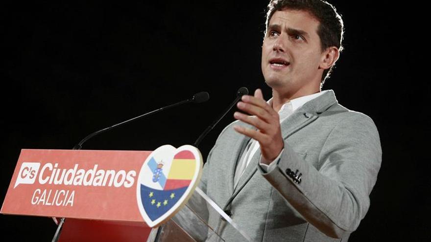"""Rivera pide el """"voto útil"""" a los votantes del PP que """"no se fían"""" de Feijóo"""