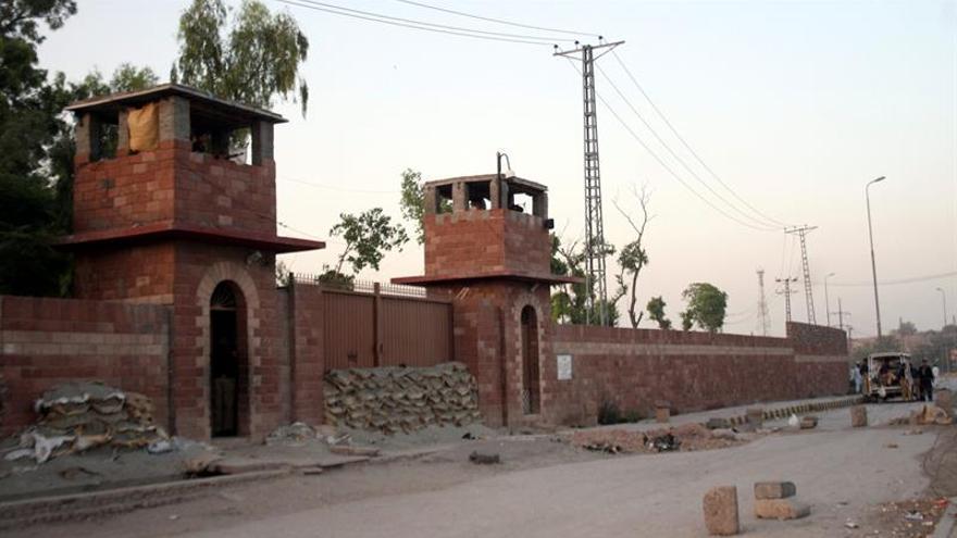 El médico paquistaní que ayudó a la CIA a buscar a Bin Laden languidece en prisión