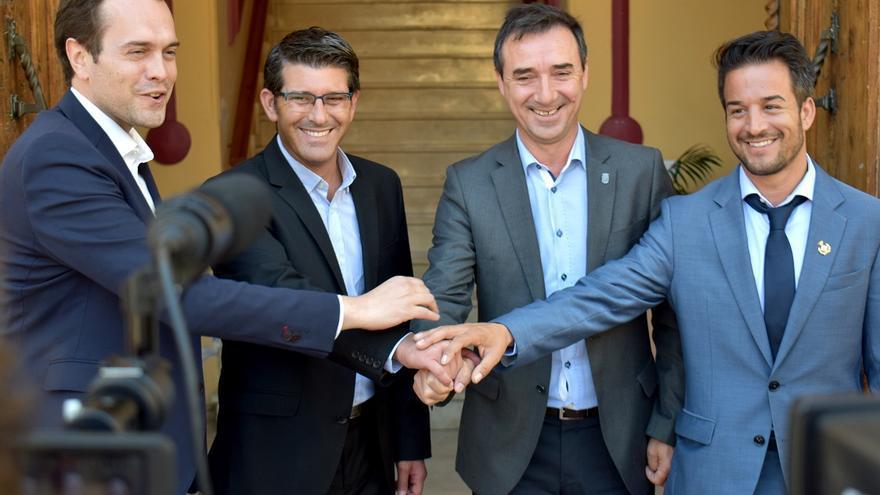 Jorge Rodríguez con los alcaldes de Cheste, Riba-roja y Loriguilla