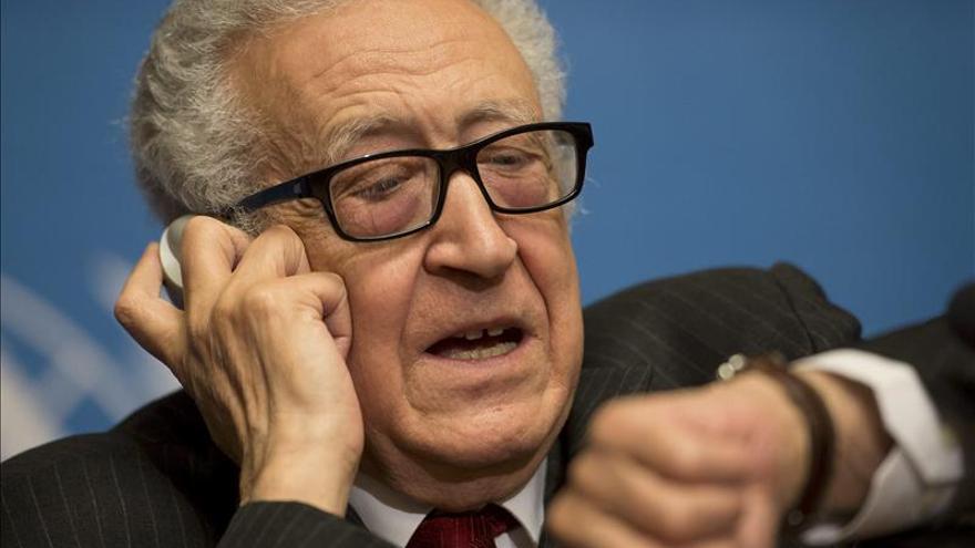 EE.UU. celebra como un paso adelante la decisión de la oposición siria de ir a Ginebra 2