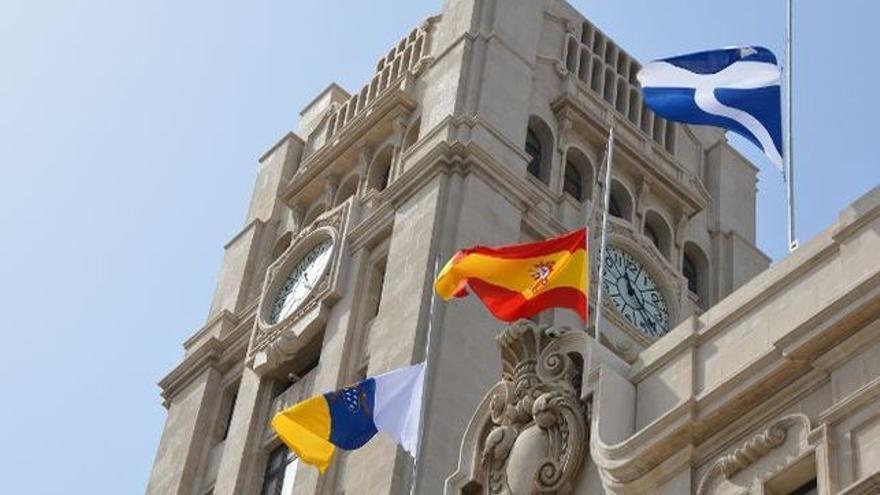 Sede principal de la Corporación tinerfeña, en la plaza de España