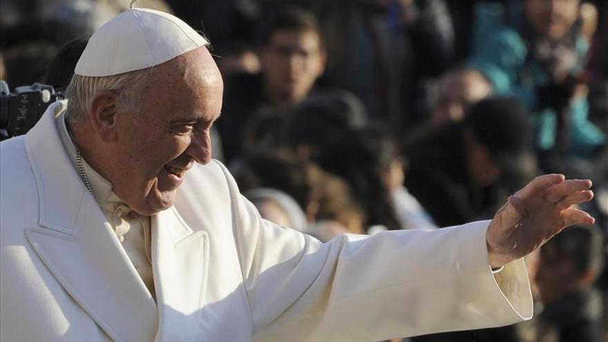 """El Papa defiende  la """"reacción no violenta"""" frente a la """"multiplicación de conflictos"""""""