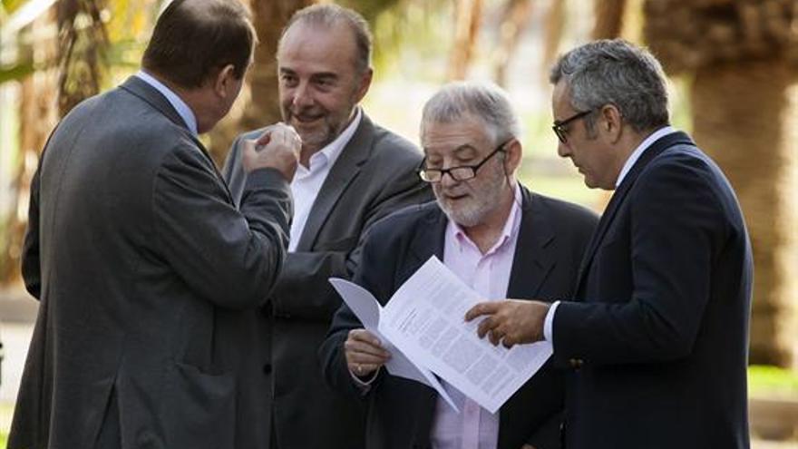 Miguel Zerolo, a su llegada a la Audiencia Provincial de Santa Cruz de Tenerife