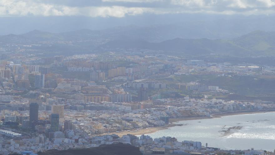 Las Palmas de Gran Canaria desde el Faro de La Isleta (IAGO OTERO PAZ)