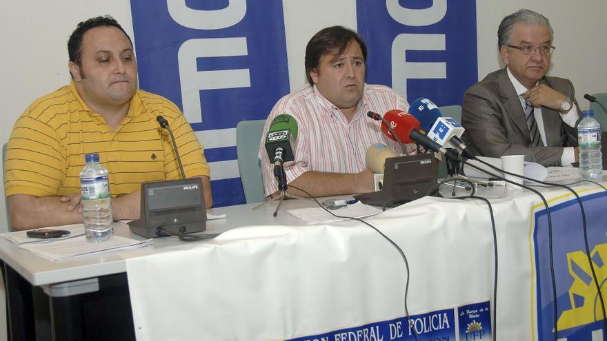 Víctor Duque (centro) en una imagen de 2010.