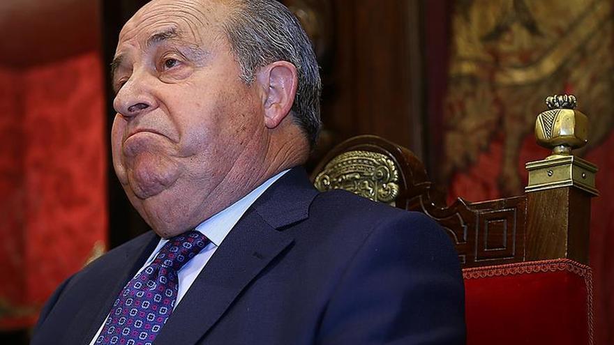 Aguirre dice que Torres Hurtado no debe dimitir hasta saber de qué le acusan