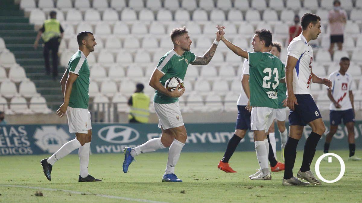 Antonio Casas celebra su primer gol ante el Rayo Majadahonda