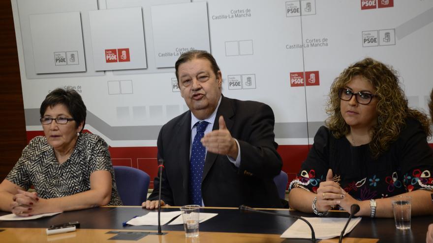 """PSOE pide una comisión de investigación para analizar """"más de 300 casos"""" de niños robados en Castilla-La Mancha"""
