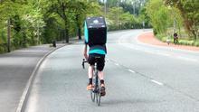 """""""Nos venden la moto"""": la lucha de los 'riders' de Deliveroo es solo el comienzo"""