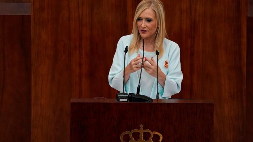 """Cifuentes llama a la """"cordura política"""" y al cumplimiento de la Constitución"""