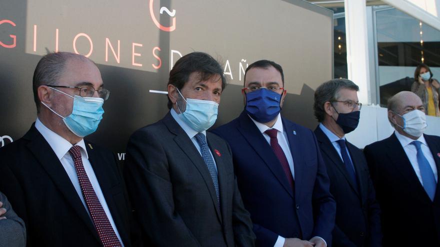Barbón, Feijóo y Lambán ensalzan a Javier Fernández en un homenaje en Gijón