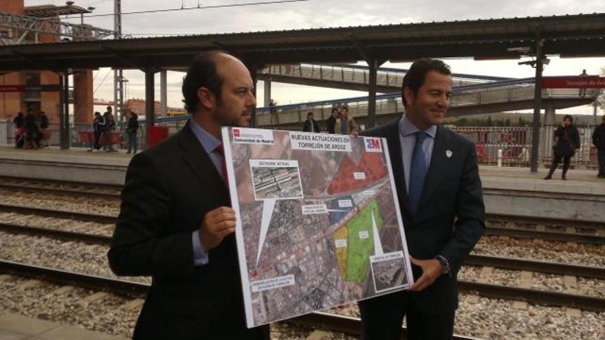 Pedro Rollán, alcalde de Torrejón, durante la presentación del proyecto.