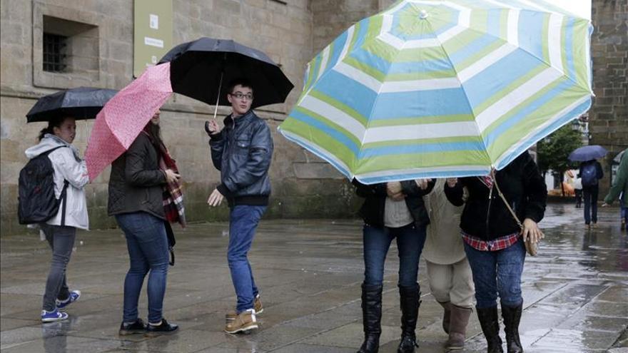 Veintiocho provincias, en alerta por lluvia, nieve o rachas de viento fuerte